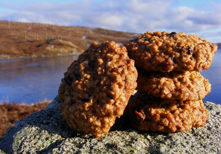 oat-raisin-cookies