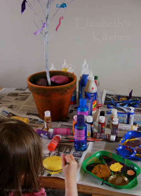 easter-tree-painting