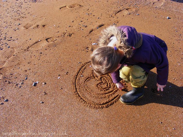 sand-hearts