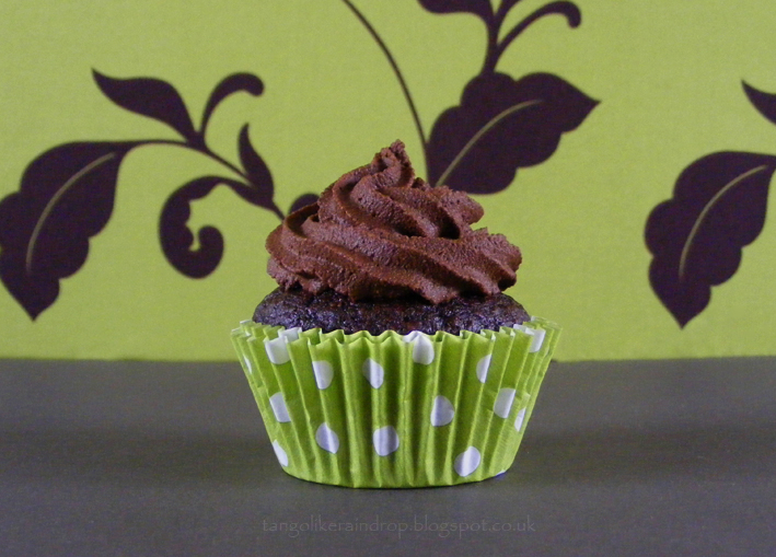 vegan-chocolate-avocado-cupcake-2