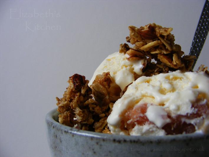 rhubarb-ripple-ice-cream