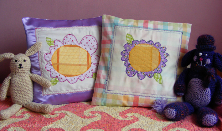 applique-flower-pillows