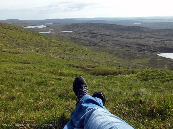 climbing scalla field hill
