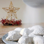 Kourambiedes Greek Christmas Cookies