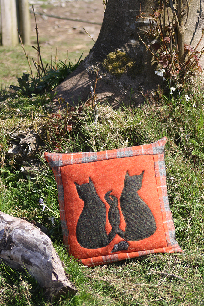 harris tweed cat pillow
