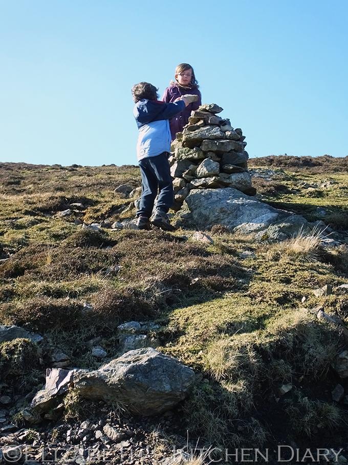 Burki Hill Cairn, Shetland