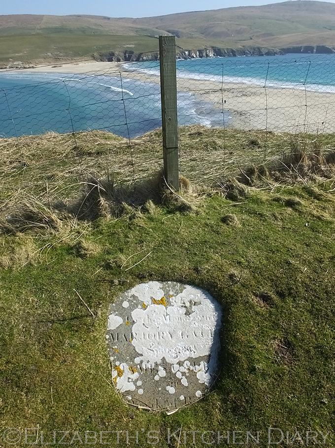 St Ninians gravestone