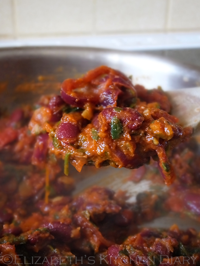 Mexican Chilli Beans with Homemade Tortilla Chips