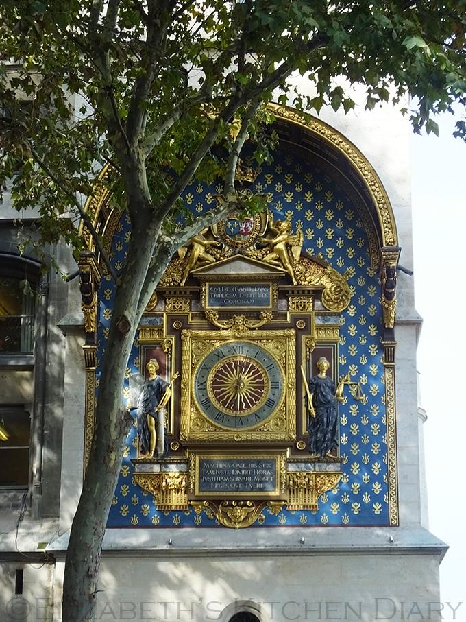 Palais de Justice clock