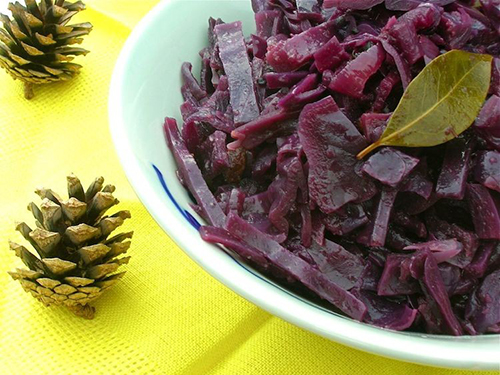 Braised Red Cabbage by Tin & Thyme