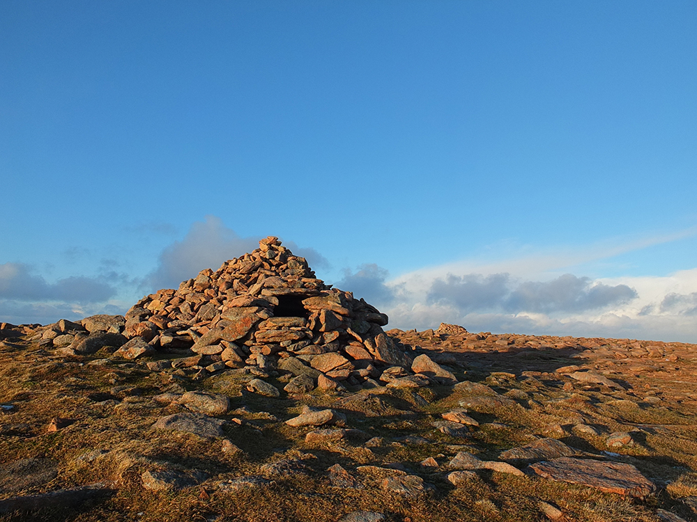 Ronas Hill Neolithic Cairn, Shetland