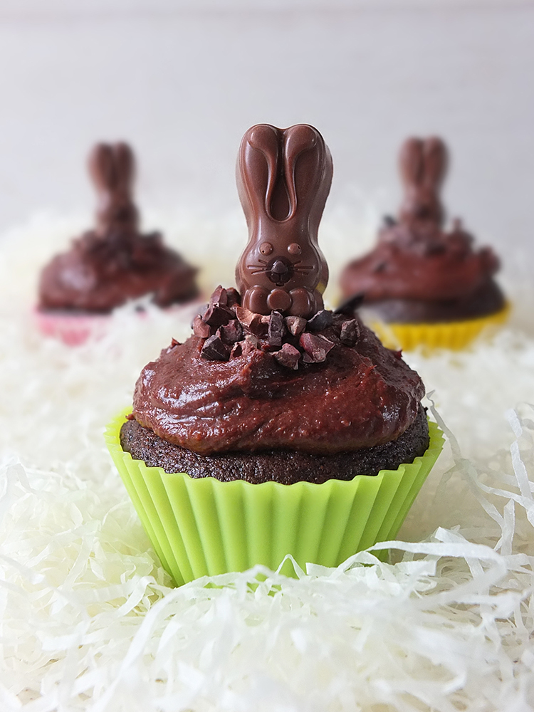 Raw Cacao Cupcakes - A slightly more healthy Easter treat