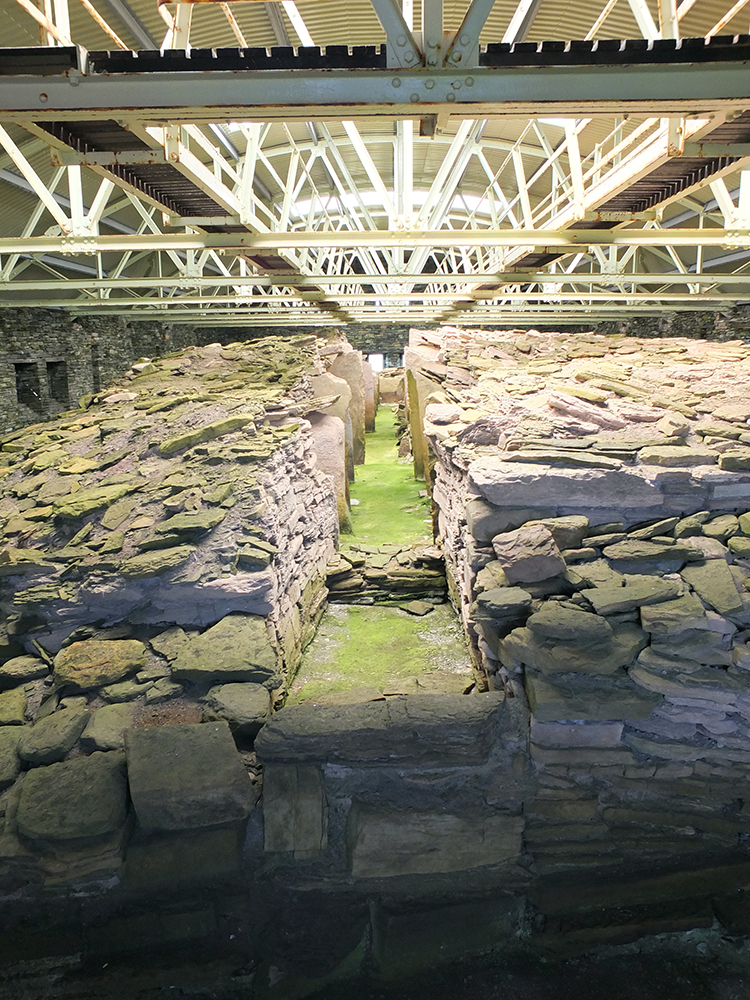 MidHowe Cairn and Broch, Orkney Islands
