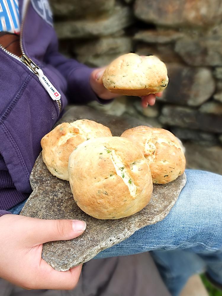 Herbed Potato Picnic Bannocks