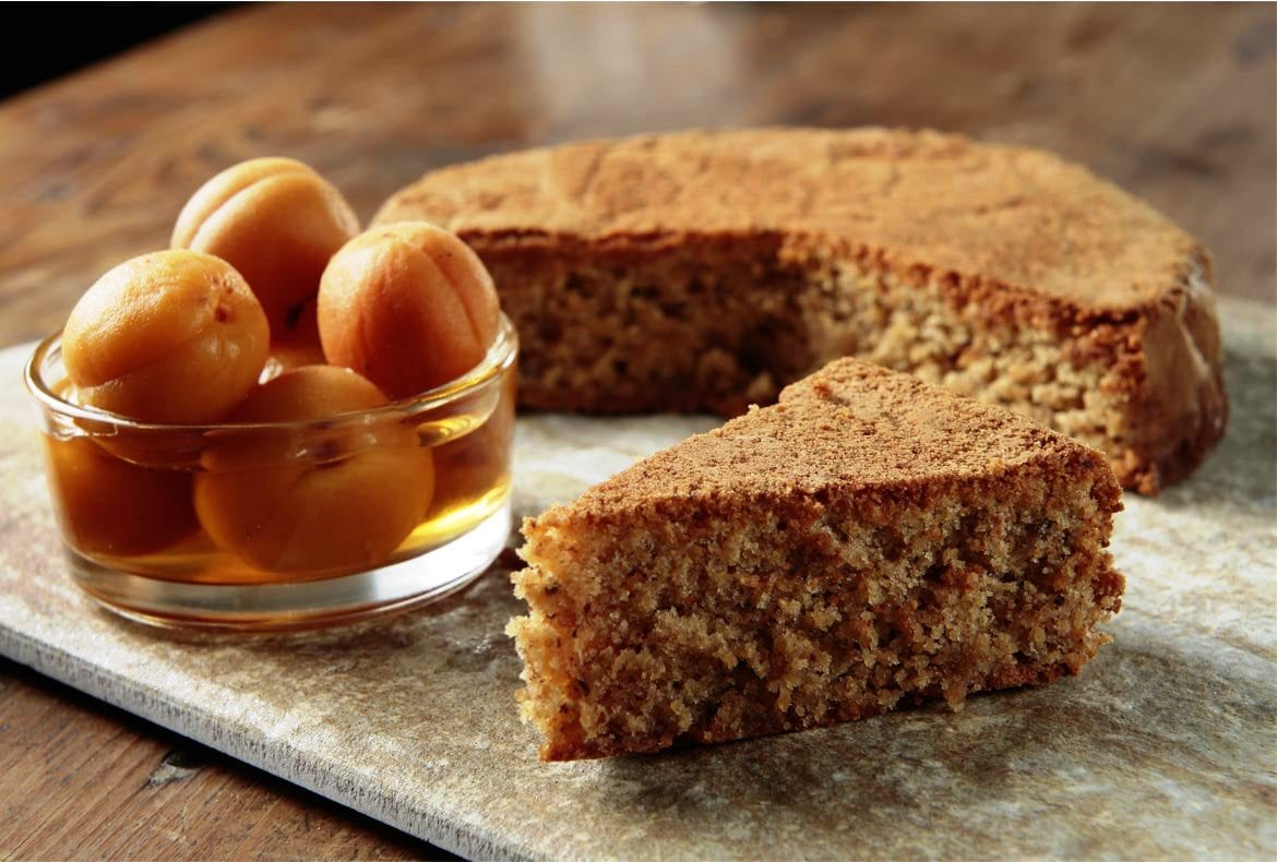 Torta di noccoila and Albicocche al Moscato - Hazelnut Cake and apricots in Moscato wine syrup