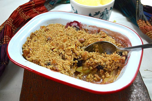 Blackberry and Apple Crumble by Tin & Thyme