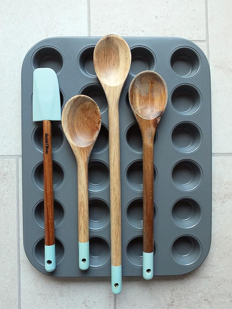 Jamie Oliver Bakeware - 24 hole mini muffin tin