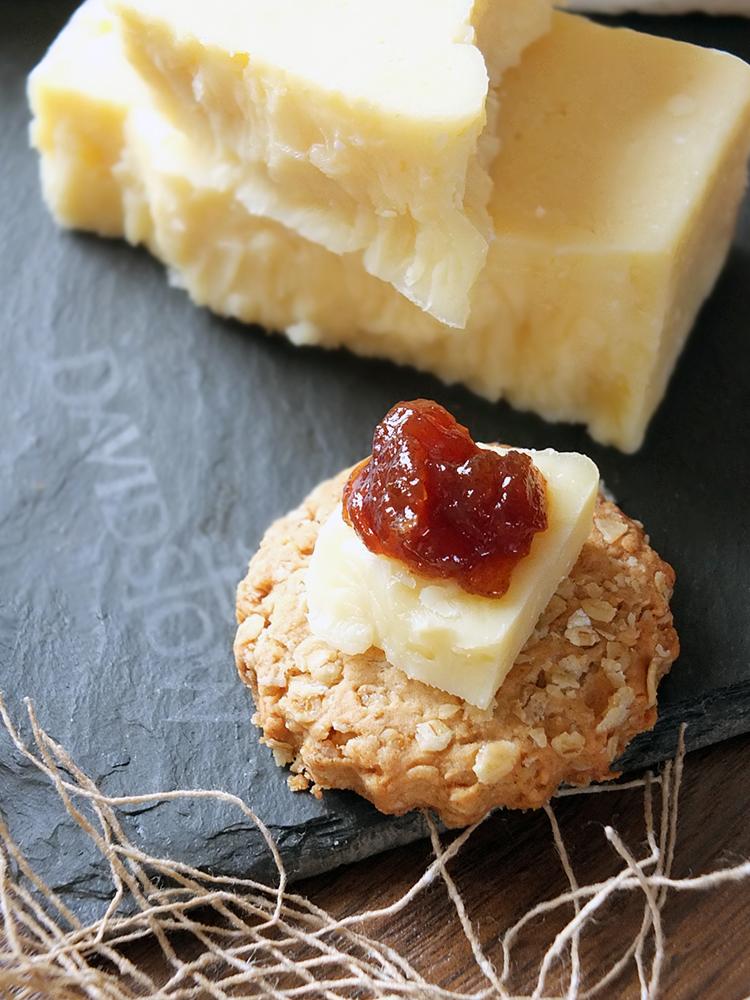 Davidstow Cheddar on an oatcake with onion marmalade