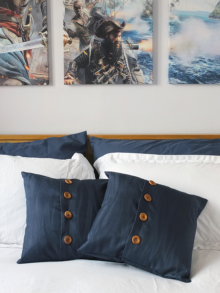 Co-ordinating Throw Pillows from Curtain Offcuts