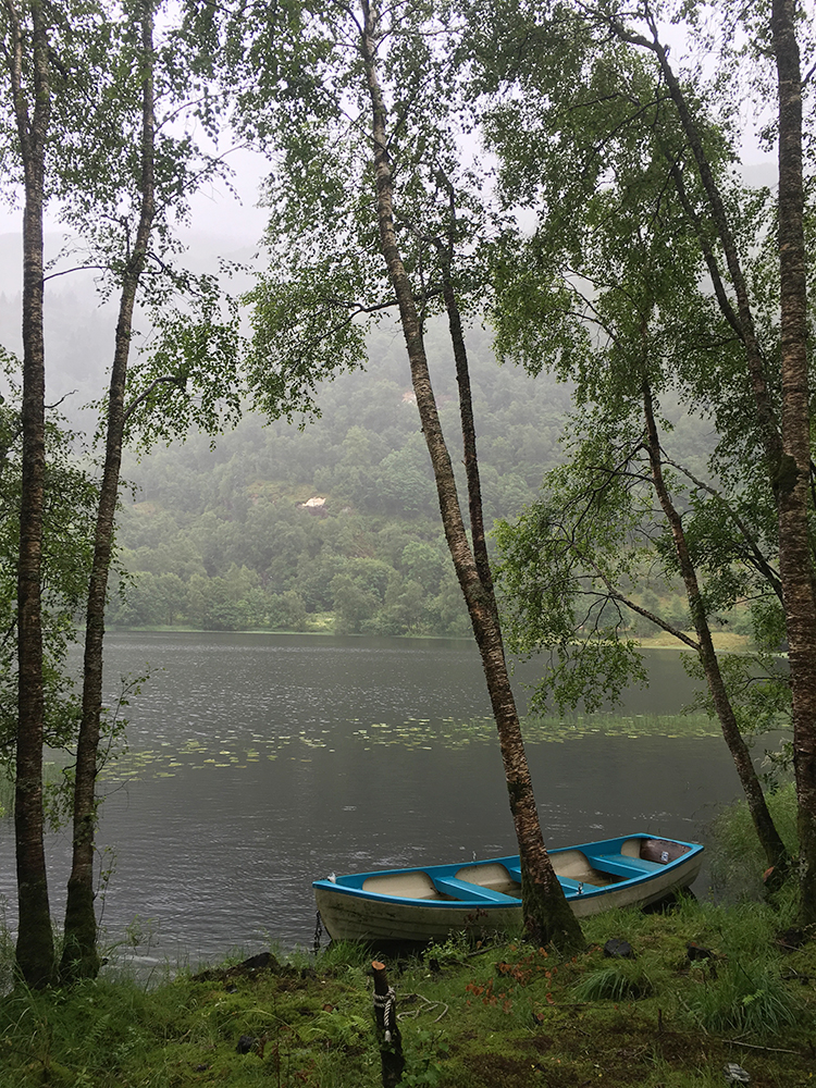 Haukelandvatnet in the rain