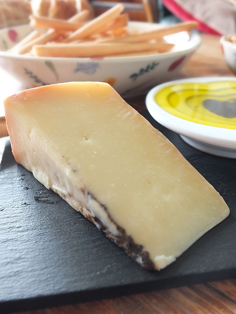 Pecorino Cheese with Black Truffle