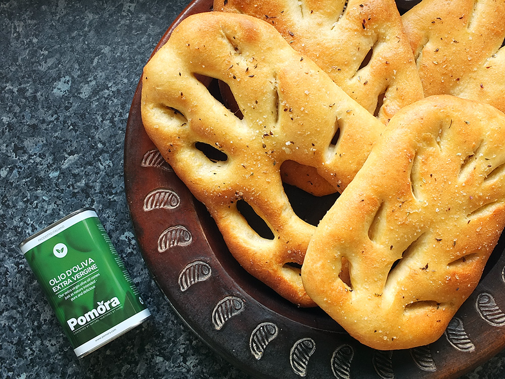 Fougasse with Pomora olive oil