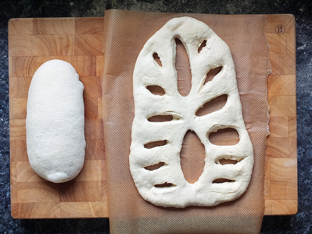 How to cut fougasse bread dough