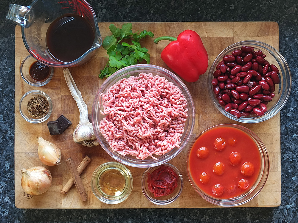 Ingredients for lamb chilli con carne with beans