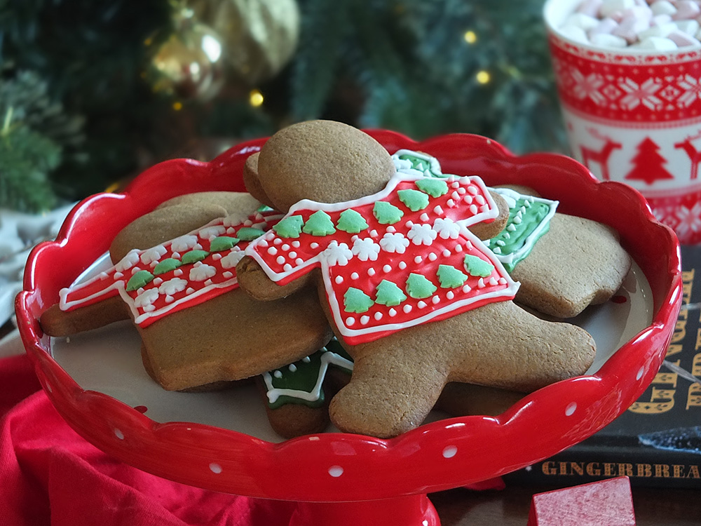 Ugly Christmas Sweater Gingerbread Cookies image - gingerbread men biscuits with decorated icing and sprinkles