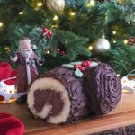 This Bûche de Noël or Christmas Log is a rather delicious festive treat, and it's easy to make too! #christmas #BuchedeNoel #swissroll #baking