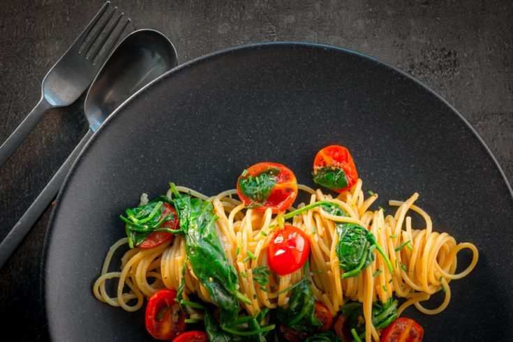 Roasted Garlic Pasta with Tomatoes and Spinach