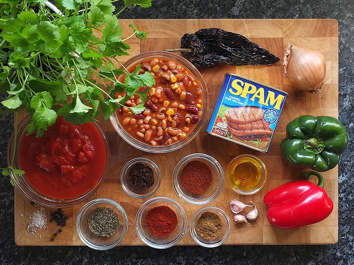 Smokey SPAM chilli ingredients