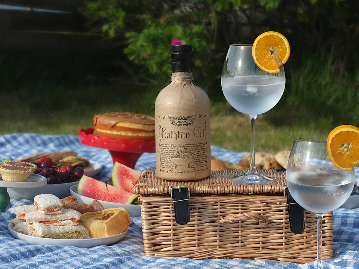 photograph of picnic with Ableforth's Bathtub gin in the foreground