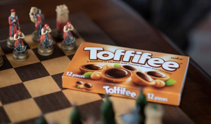 A cosy family night in with Toffifee