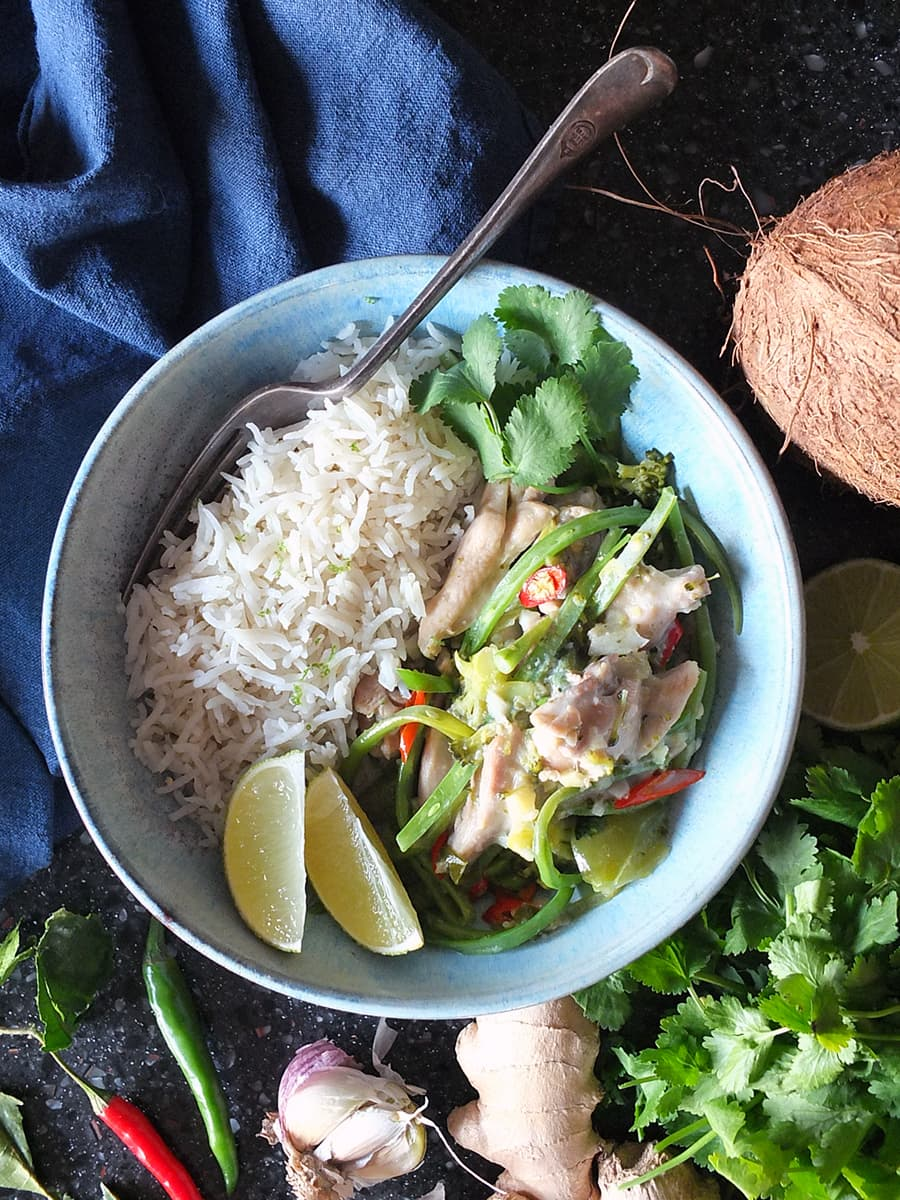 Image of Thai green chicken curry in a bowl.