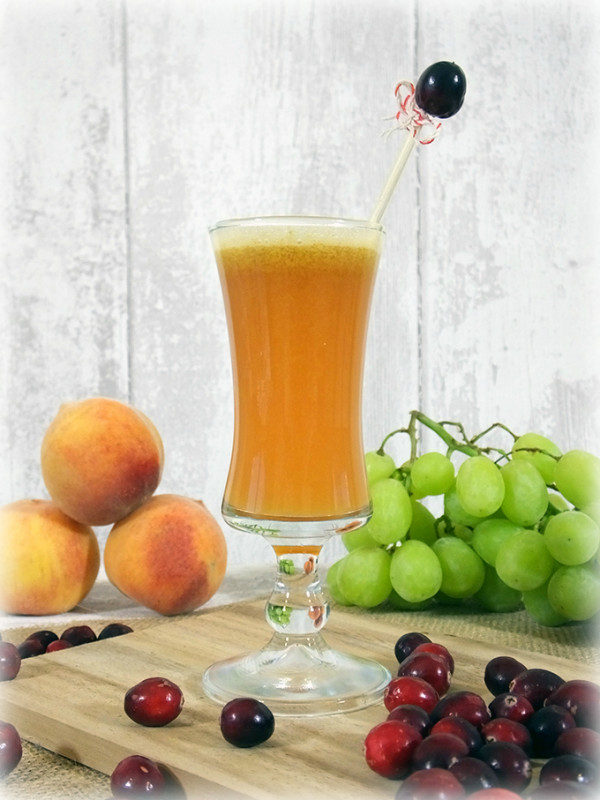 Bellini mocktail