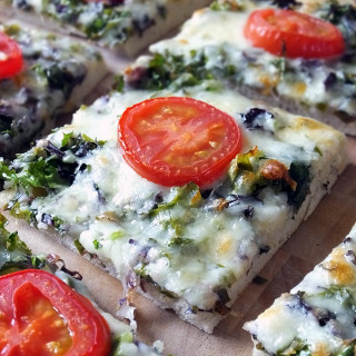 Garlic and Kale Pizza