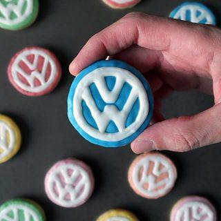 Volkswagen Logo Sugar Cookies - a step by step tutorial