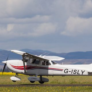 Cessna 172 image copyright ACS Flight Training