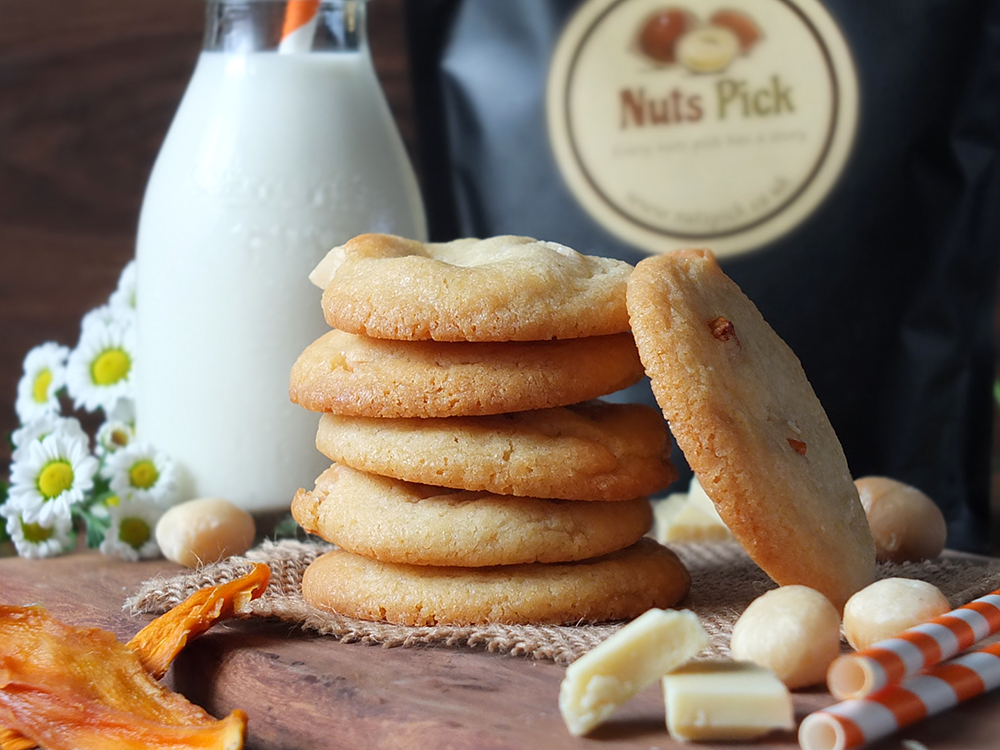 Macadamia Mango and White Chocolate Cookies