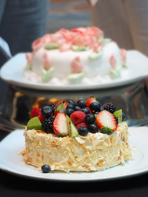 How to Decorate a Perfect Cake Celebrity Equinox Cruise