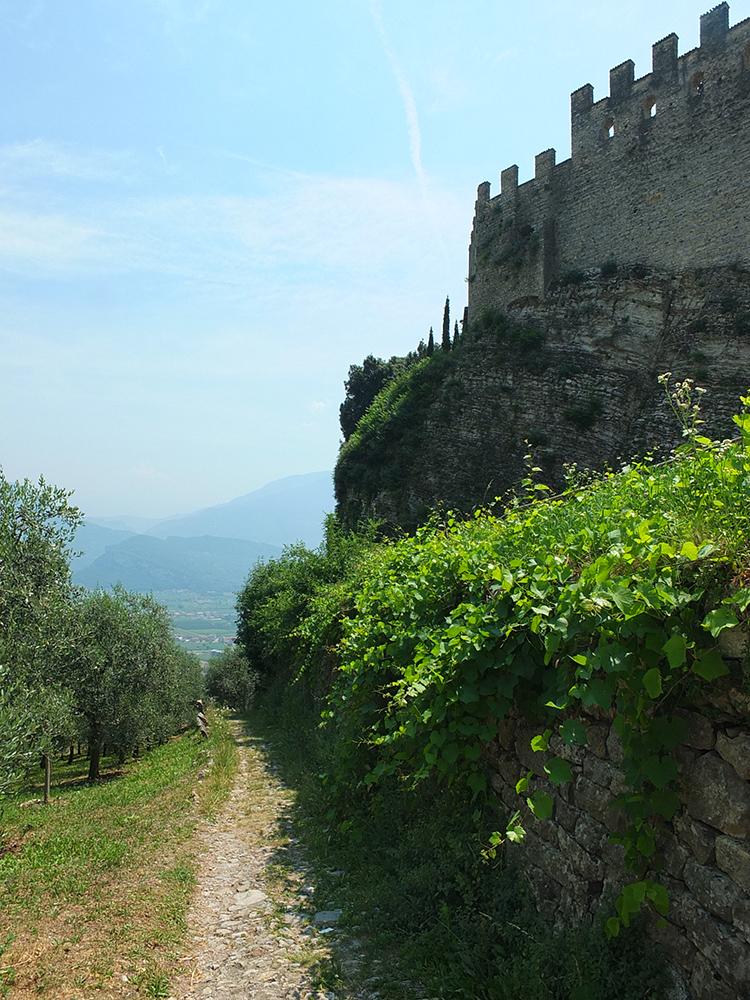 Trekking in Garda Trentino Tenno Castle