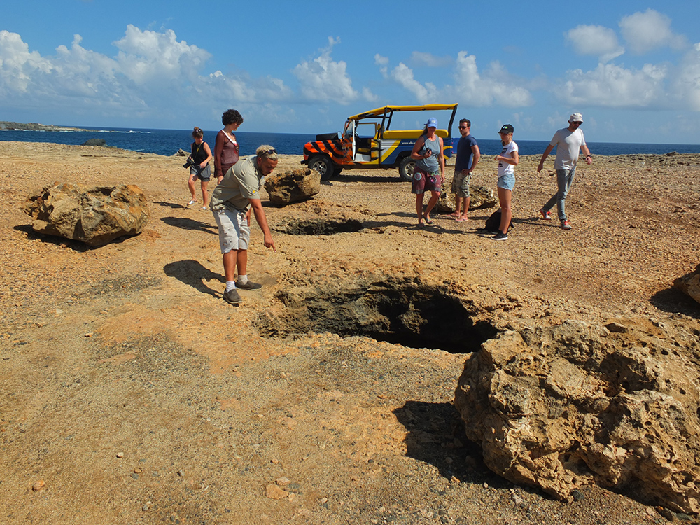 ABC Jeep Tour Aruba sinkholes