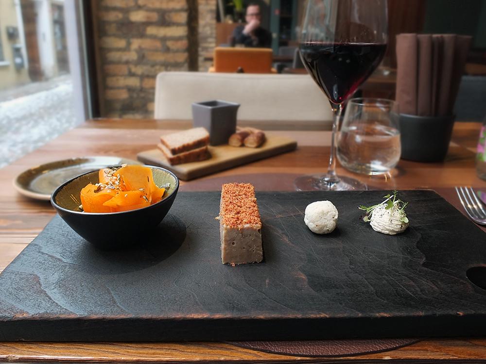 Restorans 3 Riga Latvia starter