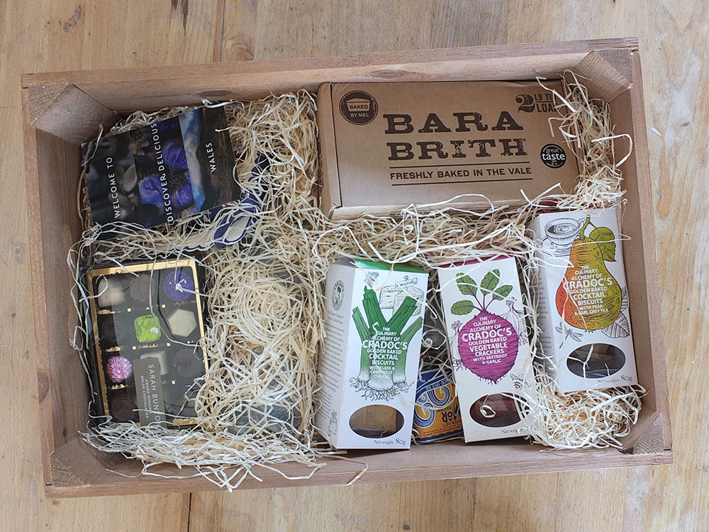 Discover Delicious Hamper Contents