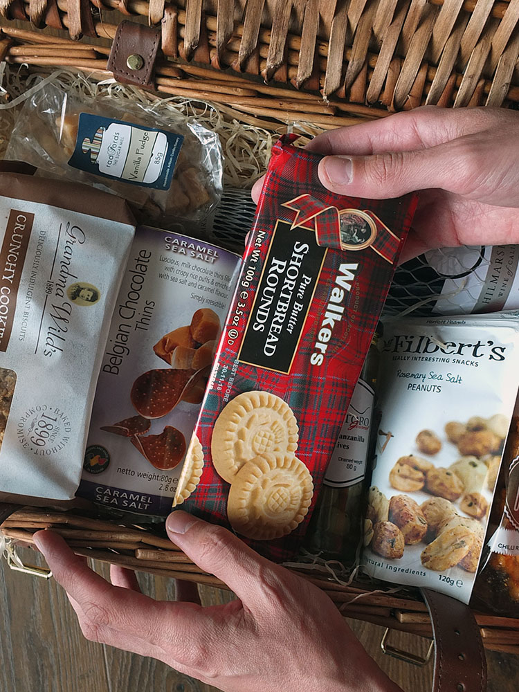 Review: The Luxury Collection Food Hamper from Hamper.com