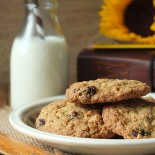 The Best Homemade Oatmeal Raisin Cookies Recipe