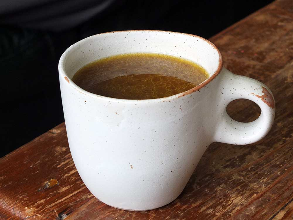 How to make nourishing bone broth from scratch