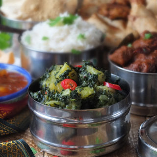 Saag Aloo - spinach and potato curry recipe
