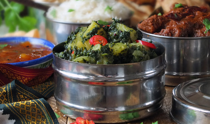Saag Aloo – Indian Spinach and Potato Curry